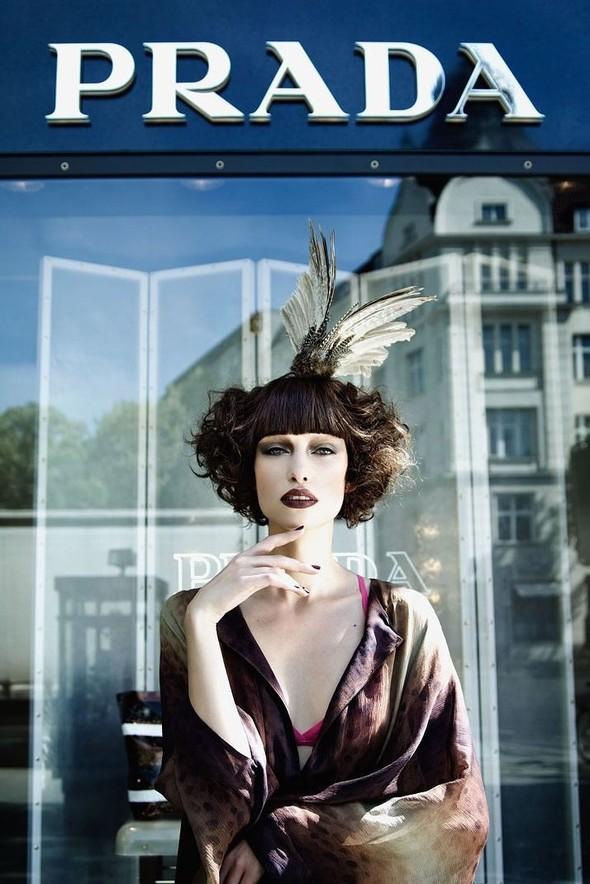 Съёмка: По магазинам с Masha Rudenko 4 Qvest Magazine Fall 2011. Изображение № 3.