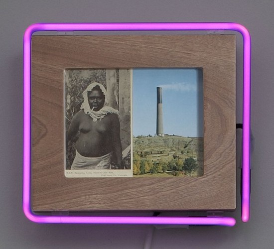 """Старые фотографии аборигенов и неоновые трубки в фотоинсталляции """"Рай"""". Изображение № 1."""