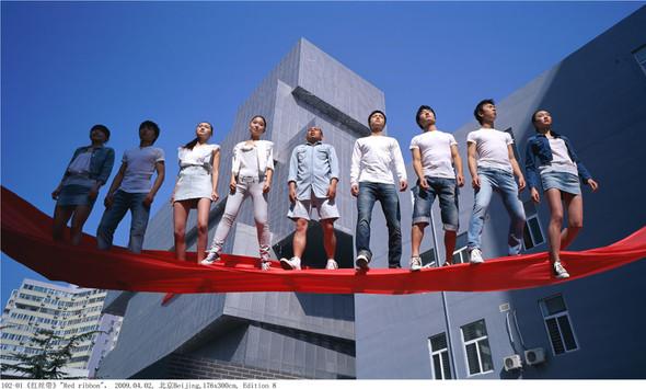 Летающие и падающие люди Ли Вея. Изображение № 16.