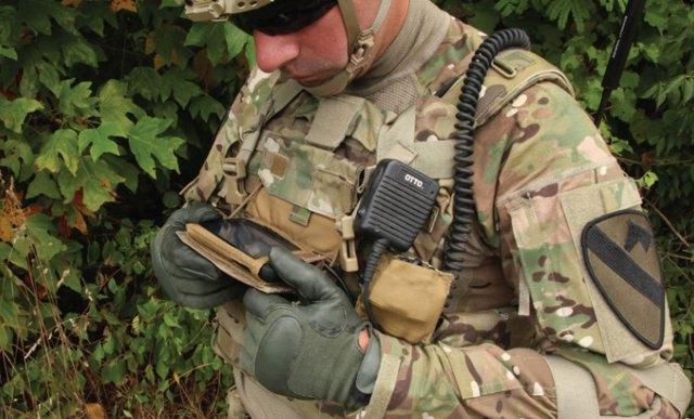 Предполагается, что устройства системы Net Warrior будут крепиться на груди солдата. Изображение № 1.