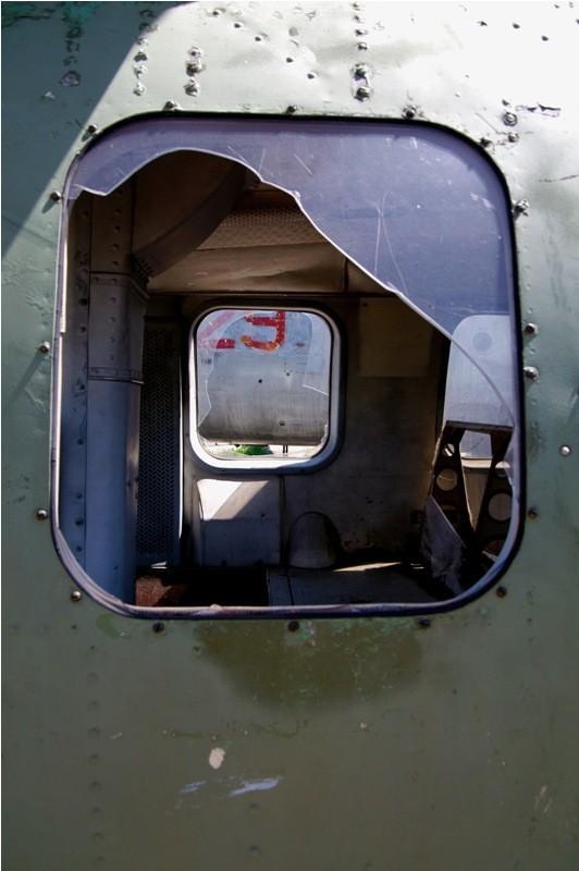 Сто рублей охраннику кладбища советской авиации. Изображение № 13.
