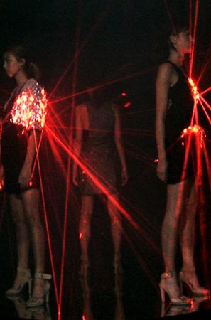 Лазерные платья Хуссейна Чалаяна. Изображение № 3.
