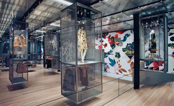 Prada, как самый дальновидный бренд. Изображение № 27.