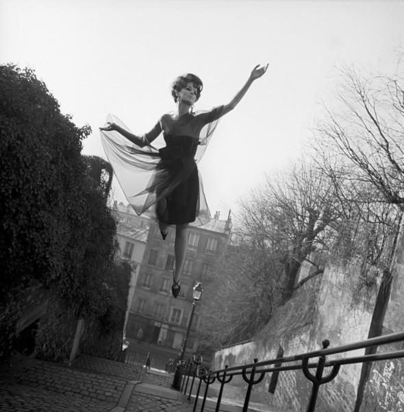 Архивная съемка: летающие модели в Harper's Bazaar, 1965. Изображение № 5.