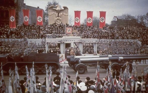 100 цветных фотографий третьего рейха. Изображение №64.