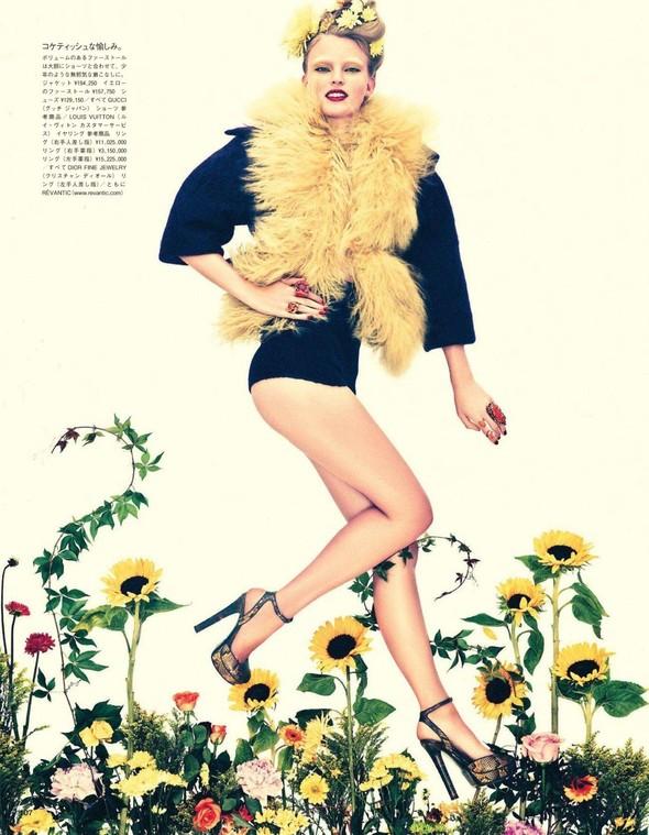 Съёмка: Имре Стикема для Vogue. Изображение № 4.