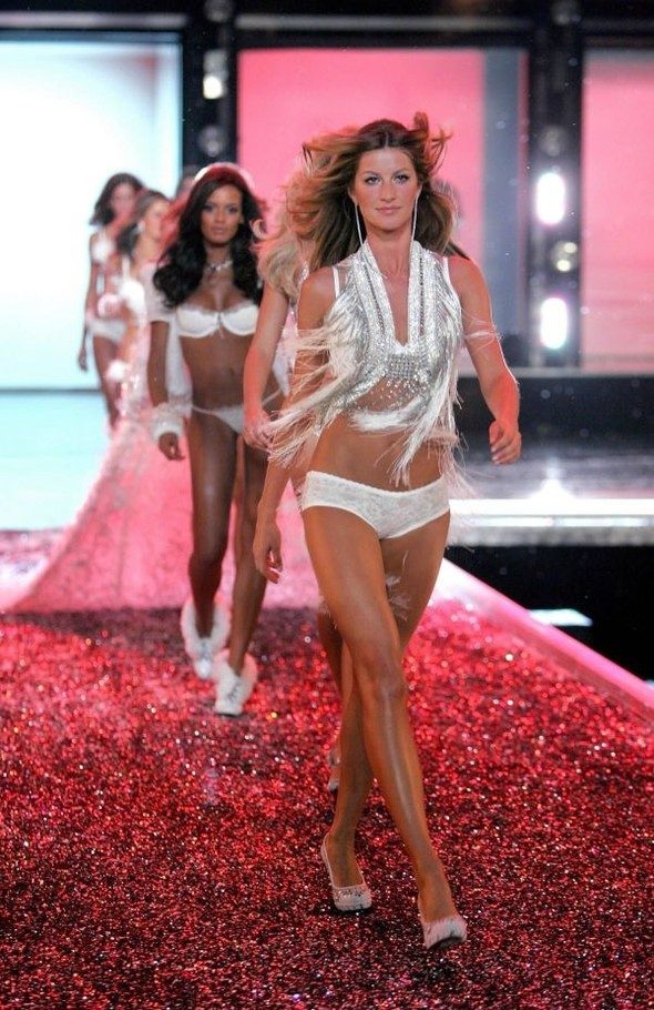 Victoria's Secret Lingerie Fashion Show 2008. Изображение № 41.