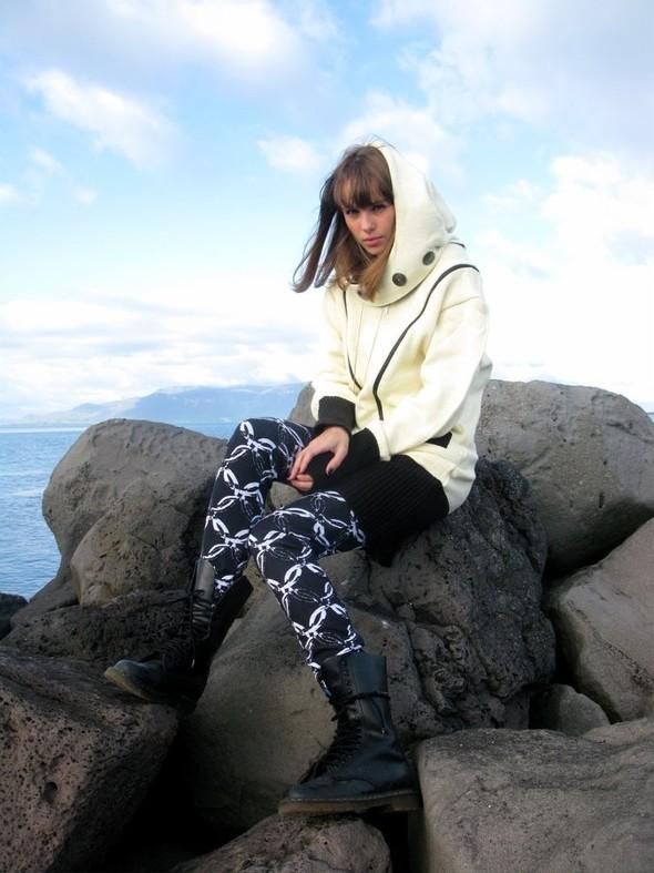 REYKJAVIK STYLE: блондинки, магия инемного стрит-фэшн. Изображение № 6.
