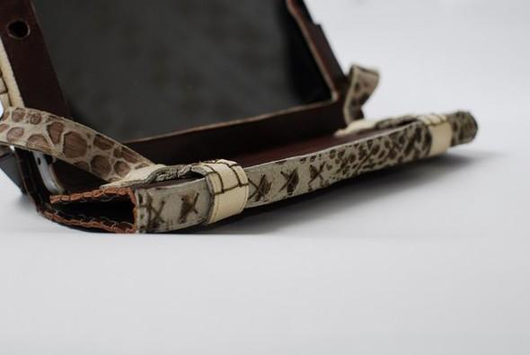 Кожанные чехлы для ipad ручной работы. Изображение № 8.