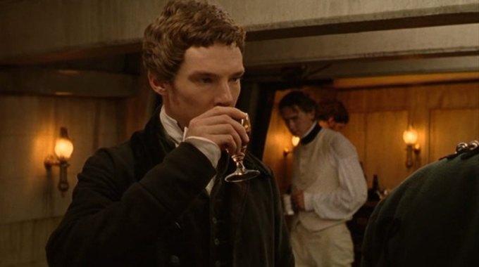 Бенедикт Камбербэтч  выпивает. Изображение № 4.
