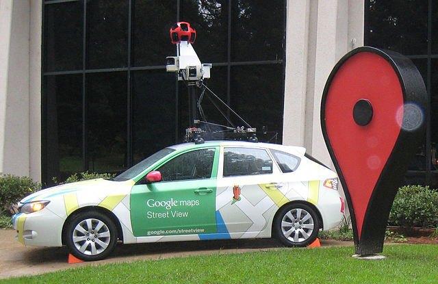 Водитель авто Google Street View попал в двойное ДТП и пытался скрыться. Изображение № 1.