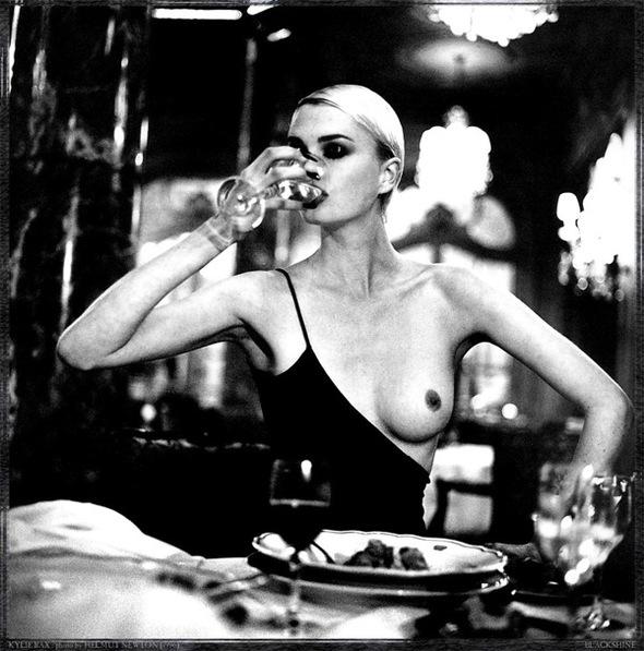 Helmut Newton-гурман женской плоти. Изображение № 7.