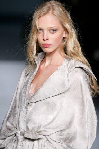 Tanya Dziahileva чистое сияние красоты. Изображение № 30.