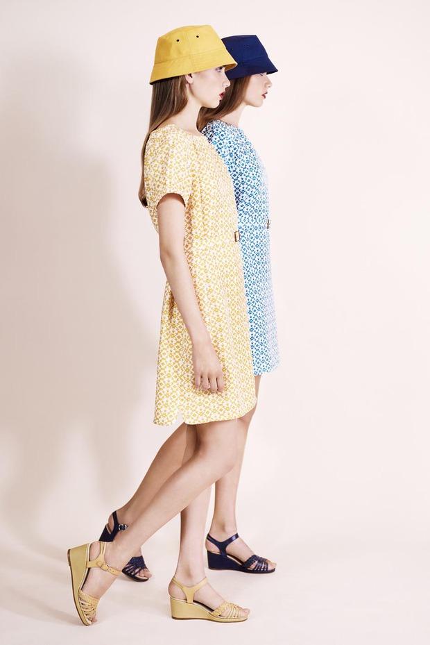 A.P.C., Chanel, MM6, Mother of Pearl, Paule Ka и Yang Li выпустили новые лукбуки. Изображение № 20.