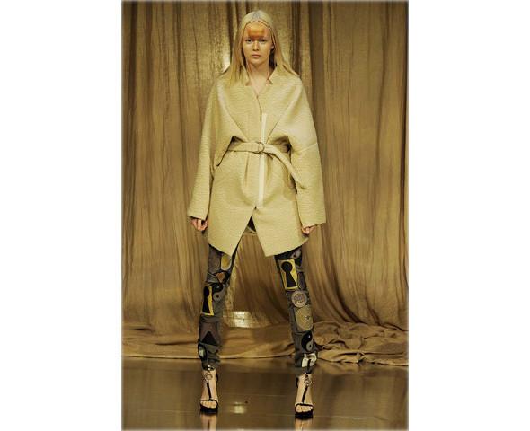Новые коллекции: Acne, Dior, Moschino, Viktor & Rolf. Изображение № 51.