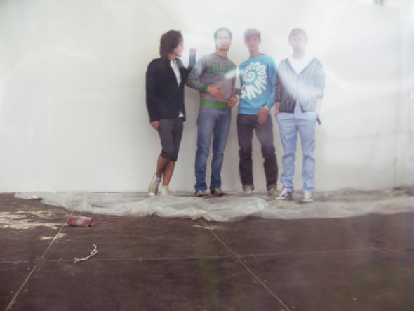 Группа Twices инедостроенные декорации «Пикника». Изображение № 13.
