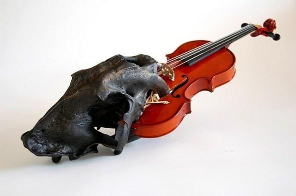 Анатомические скульптуры, вырезанные из самых обычных предметов. Изображение № 6.