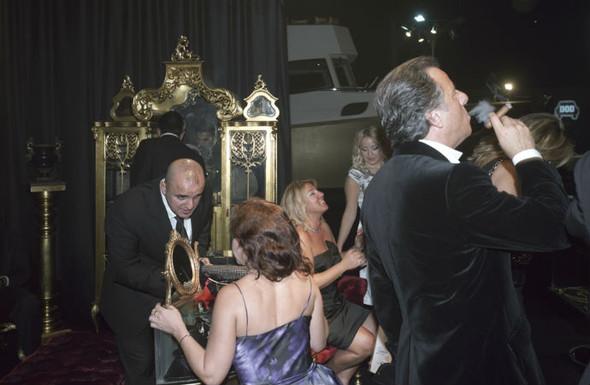 Короли вечеринок: 10 фотографов, снимающих светские и молодежные тусовки. Изображение № 87.
