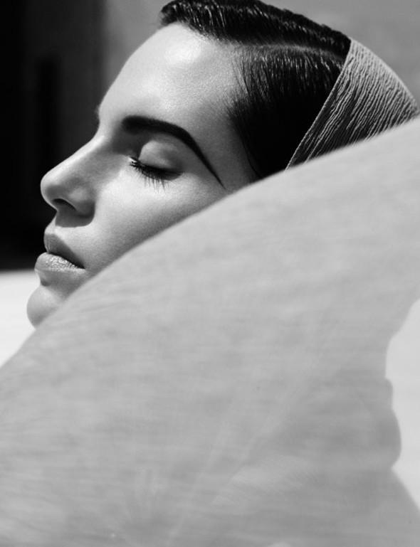 Съемка: Белая Ирис в Vogue Germany October 2011. Изображение № 12.