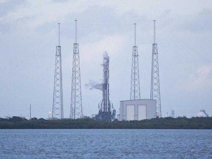 С третьей попытки ракета SpaceX успешно стартовала. Изображение № 1.