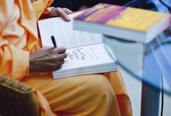 """Презентация книги Радханатха Свами """"Путешествие домой"""" 26.03.2012. Изображение № 15."""