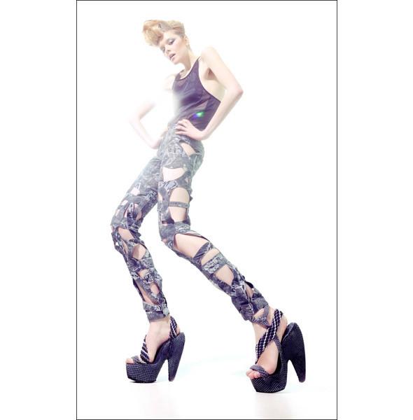 Кое-что новое:Alexander McQueen, Urban Outfitters, Zara. Изображение № 28.