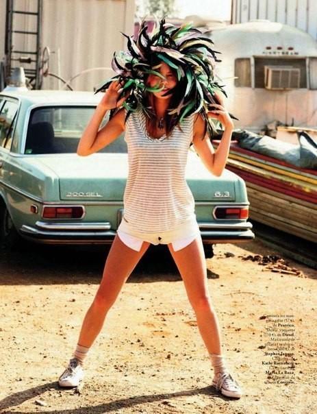 Сьемка: Камилла Роу для Elle Spain Febriary 2012. Изображение № 5.