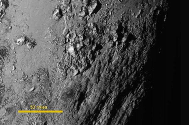 New Horizons сфотографировал горы на Плутоне. Изображение № 2.
