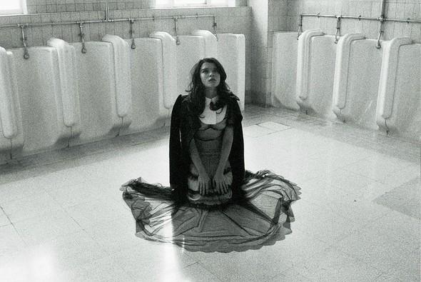 Съёмка: Кристал Ренн для AnOther. Изображение № 11.