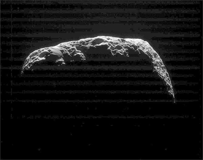 Cassini получил последние фото Гипериона . Изображение № 2.