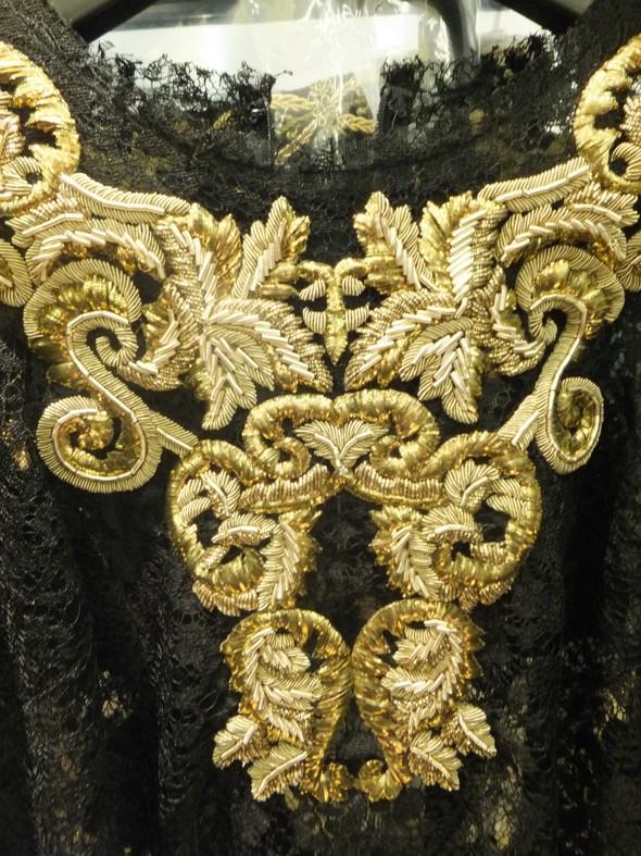 На бэкстейдже показа Dolce & Gabbana. Изображение № 19.