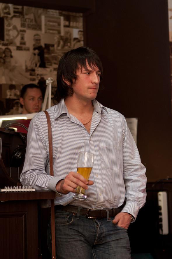 Презентация клипа группы Т9 «На расстоянии любви» в «Руки Вверх bar. Изображение № 12.