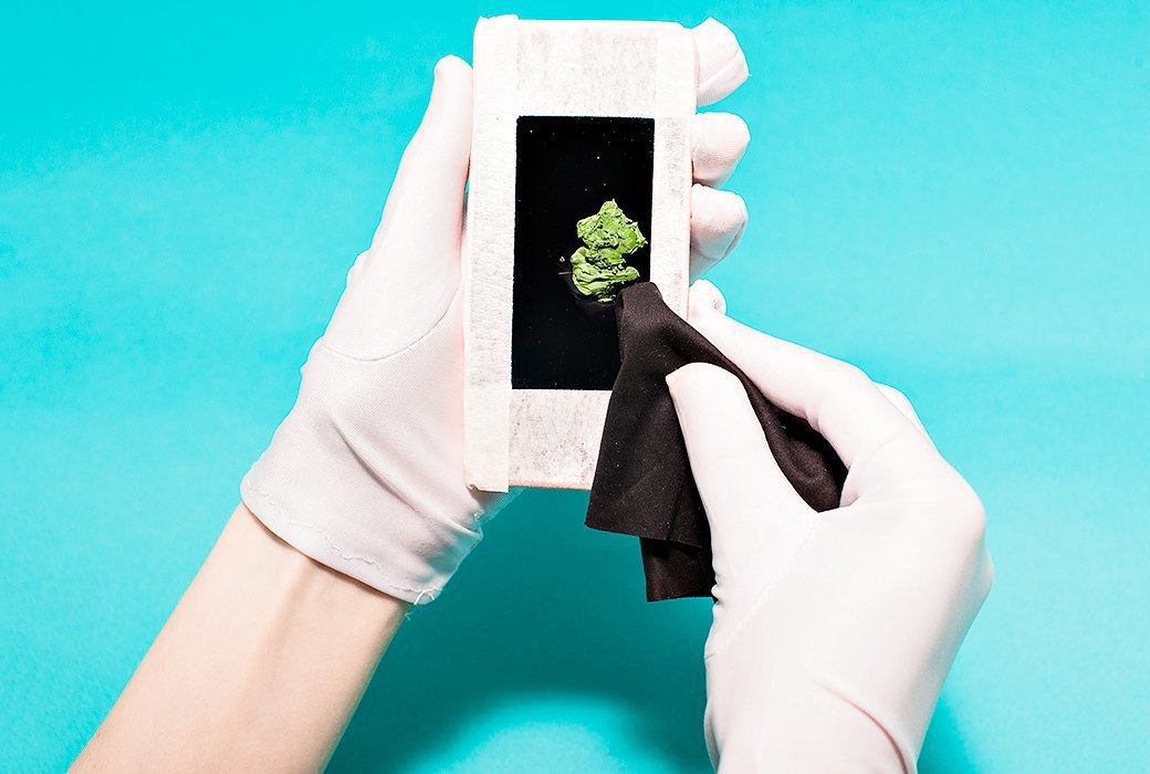 Эксперимент: Как избавиться от царапин на смартфоне. Изображение № 9.