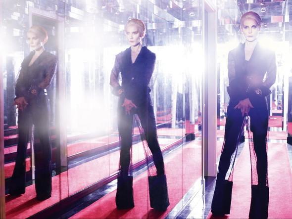 Съёмка: Дафна Гиннесс для Vogue. Изображение № 1.