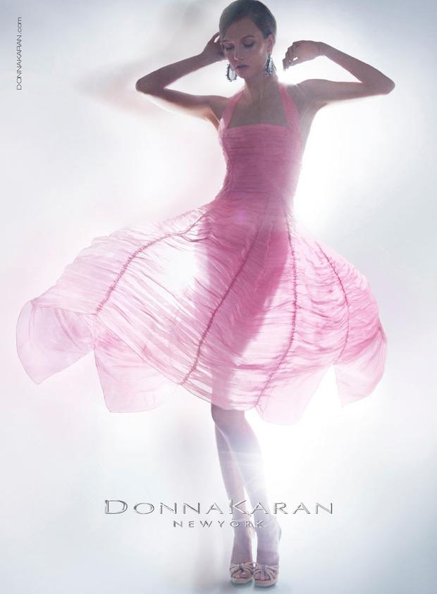 Вышли новые кампании Chanel, Donna Karan, Jaeger, Prada и THVM. Изображение № 5.