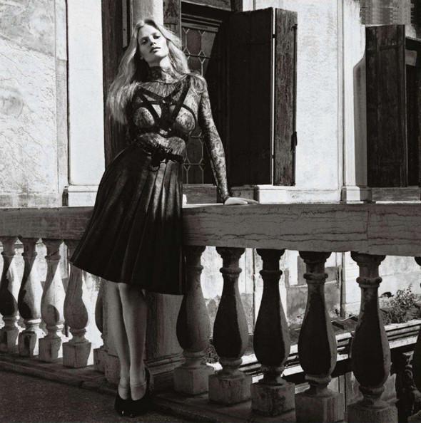 Съёмка: Лара Стоун в объективе Марио Сорренти. Изображение № 8.