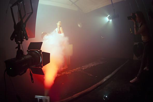 """Бэкстейдж со съёмок в аква студии в духе """"бойцовского клуба"""". Изображение № 5."""