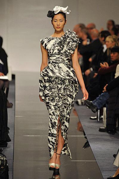 Chanel Spring 2009 Haute Couture. Изображение № 64.