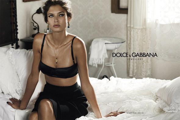Кампании украшений: Dolce & Gabbana, Tiffany & Co и H. Stern. Изображение № 1.