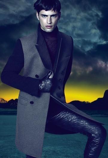 Изображение 1. Превью кампаний: Prada и Versace.. Изображение № 3.