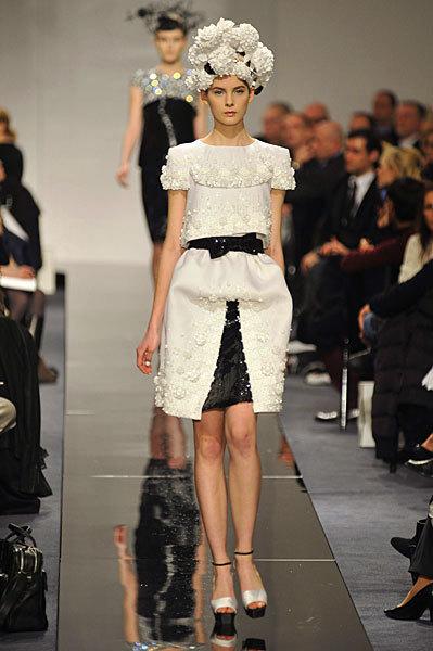 Chanel Spring 2009 Haute Couture. Изображение № 17.