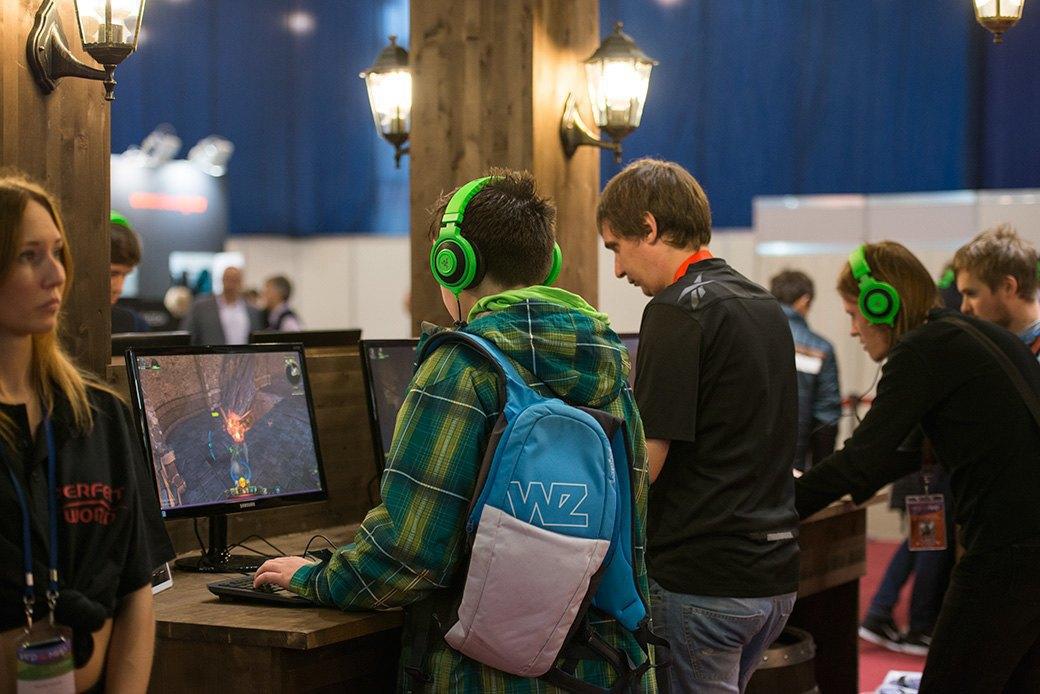 Косплей, киберспортсмены, PS4 и Xbox One на выставке «ИгроМир-2013». Изображение № 14.
