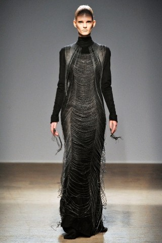Back to black : Gareth Pugh и Victor&Rolf aw 2010-2011. Изображение № 40.