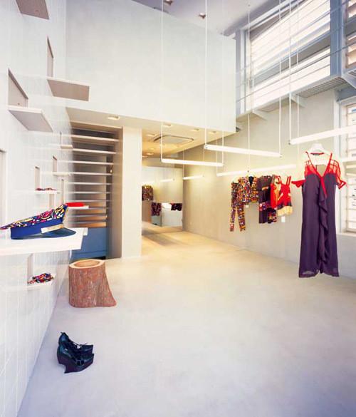 Изображение 7. 20 Великолепных дизайнерских концепций бутиков.. Изображение № 14.