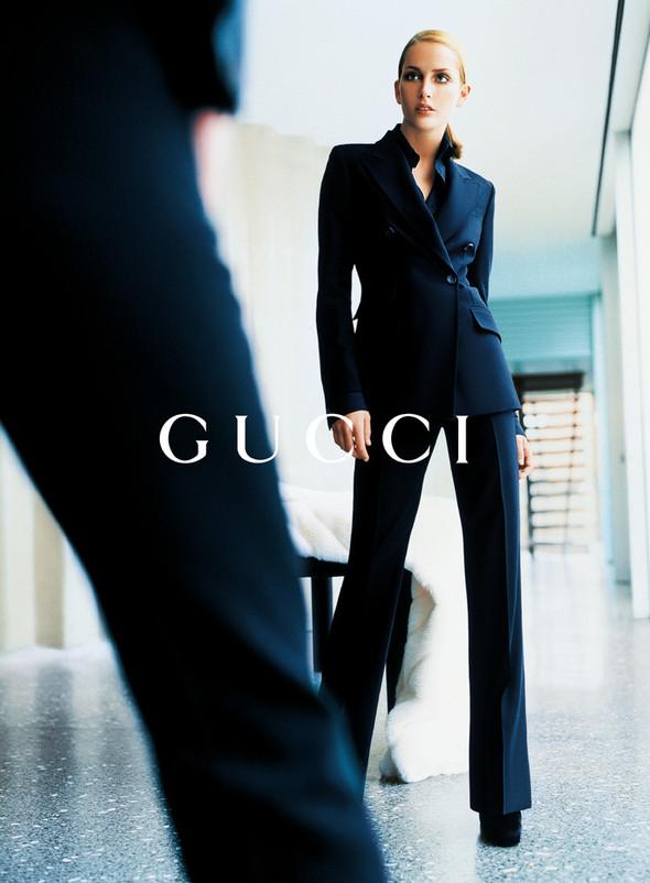 Архивная съёмка: Кампания Gucci FW 1996. Изображение № 2.