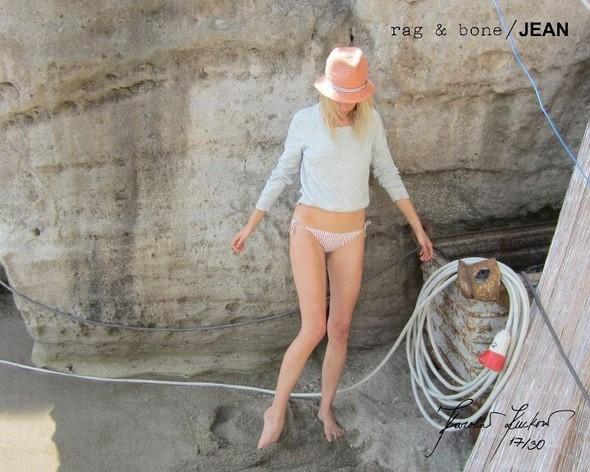 Кампания: Хелена Кристенсен сняла Каролину Куркову для Rag & Bone. Изображение № 17.