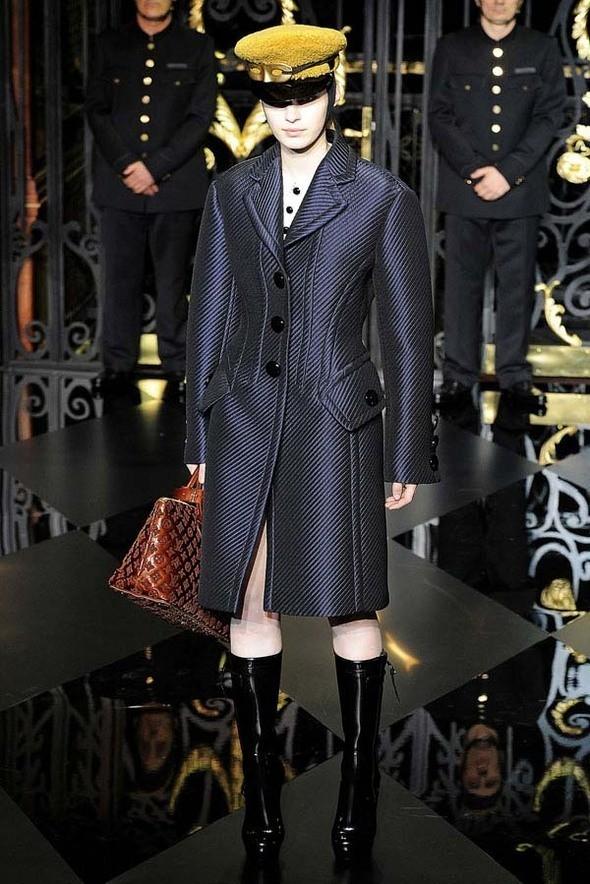 Изображение 10. Louis Vuitton Fall 2011.. Изображение № 10.