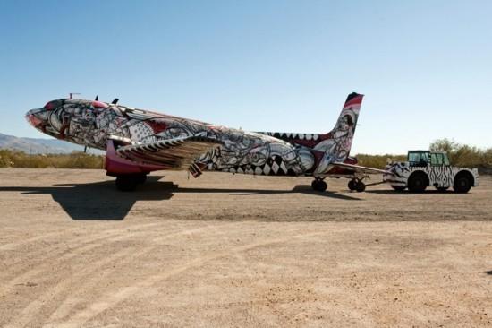Крупнейший музей авиации раскрасил старые самолеты. Изображение № 11.