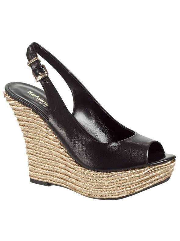 Изображение 33. Обувь: тренды лета 2011.. Изображение № 36.