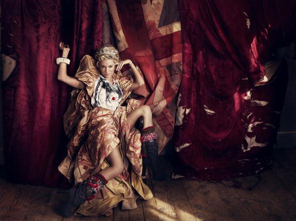 На фото: Сиенна Миллер. Изображение № 1.